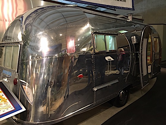 1958 Airstream Flying Cloud RV