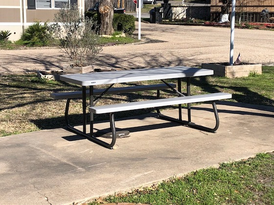 rv park picnic table